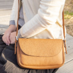 Accessory-pouch-shoulder-type-shranken